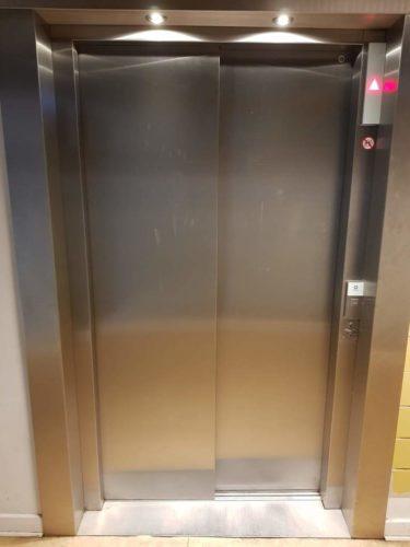CGs elevator - kun i annekset, ikke i hovedbygningen