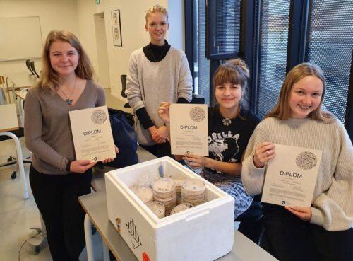 Forskerpraktik 2020 - en forsker, tre Diplomer og 414 petriskåle