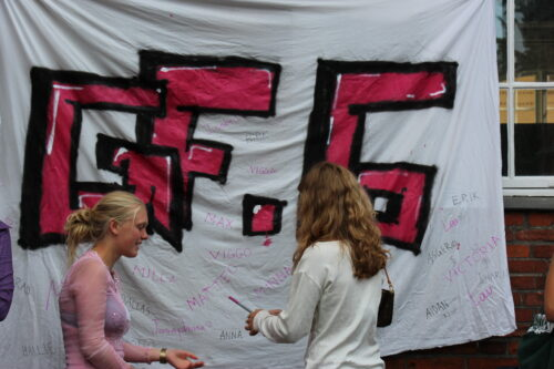 GF6 tutor byder velkommen til ny elev